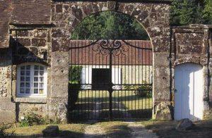 Le portail d'entrée de Bellegarde